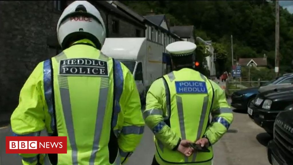 Coronavirus: Wales』 police seek lockdown fines parity with England