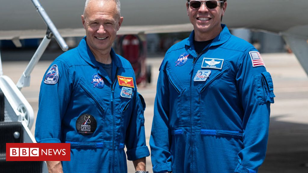 Astronauts arrive at Kennedy for historic launch