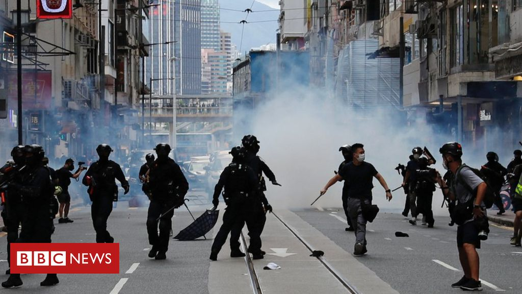 UK suspends extradition treaty with Hong Kong