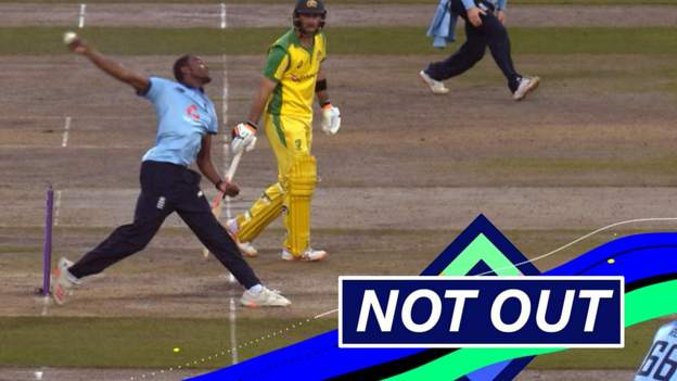 England v Australia: Alex Carey survives after being caught off Jofra Archer no-ball